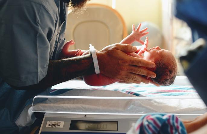 regenesis-mulher-e-gestacacao-exames-recem-nascido